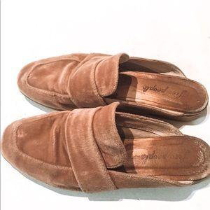 At Ease Loafer size 8